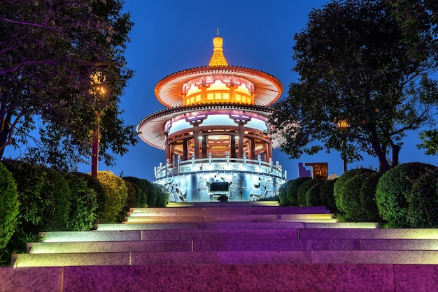 Arquitetura clássica chinesa: pavilhão. xi'an, china.