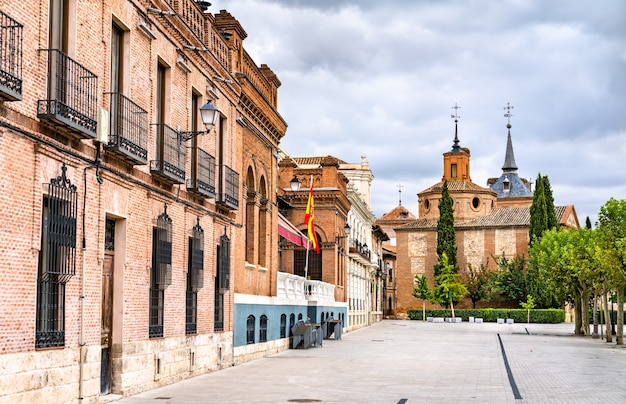 Arquitetura de alcala de henares perto de madrid, na espanha