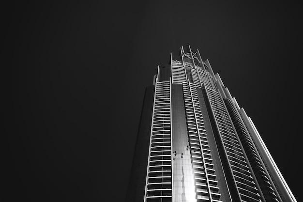 Arquitetura moderna em dubai (emirados árabes unidos).