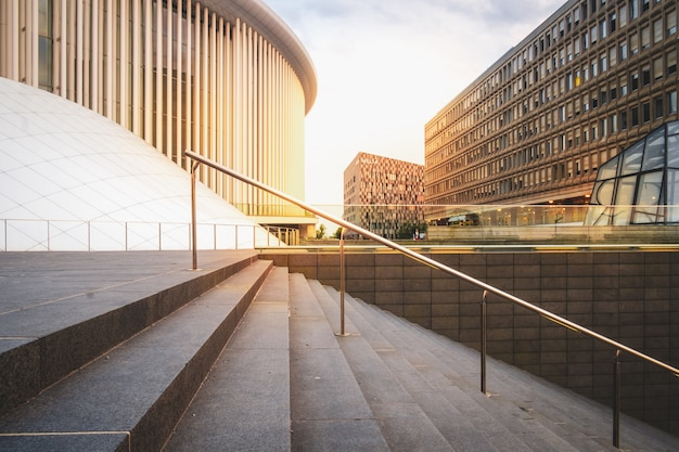 Arquitetura moderna no distrito de kirchberg, na cidade de luxemburgo