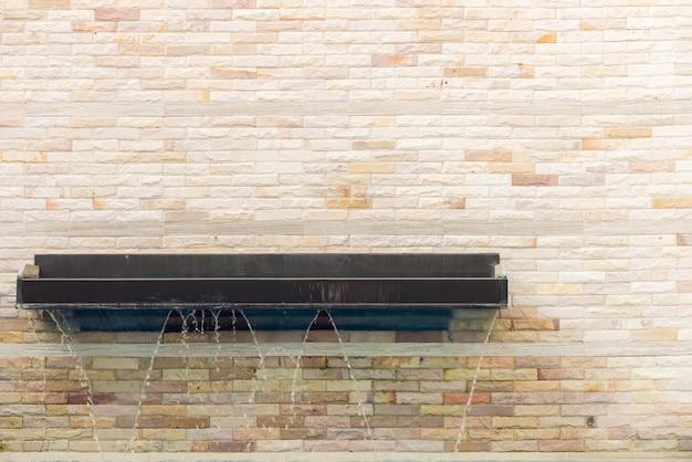 Arquitetura parede de azulejos da piscina azul