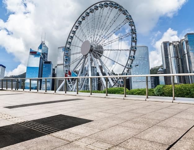 Arquitetura urbana de hong kong, victoria harbour, durante o dia