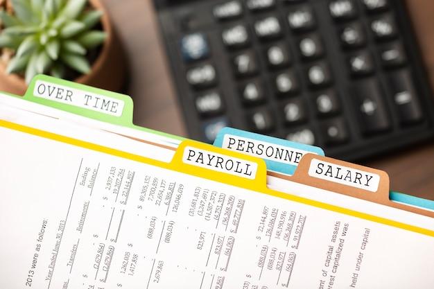 Arquivos de folha de pagamento e arranjo de calculadora