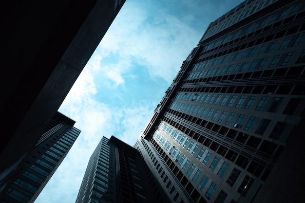 Arranha-céu de hong kong, prédio alto em cidade urbana