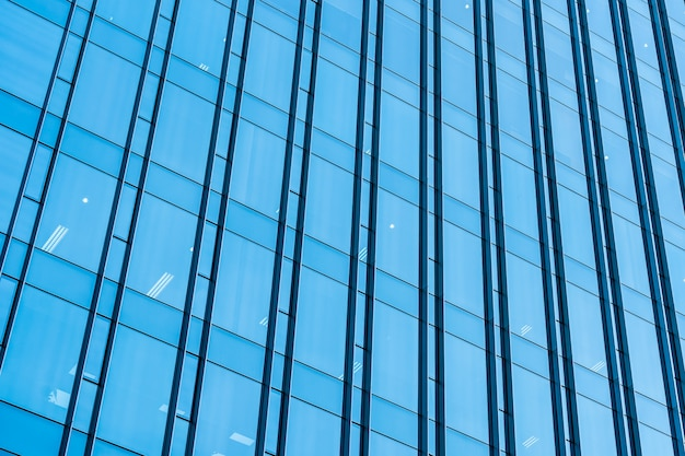 Arranha-céu do edifício de escritórios de negócios com vidro de janela