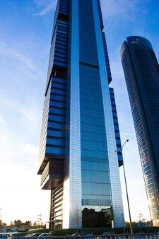 Arranha-céus cuatro torres business area em madrid, espanha