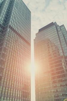 Arranha-céus de aço elétrico business metal sky