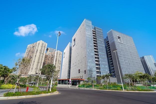 Arranha-céus modernos no distrito financeiro, xiamen, china.