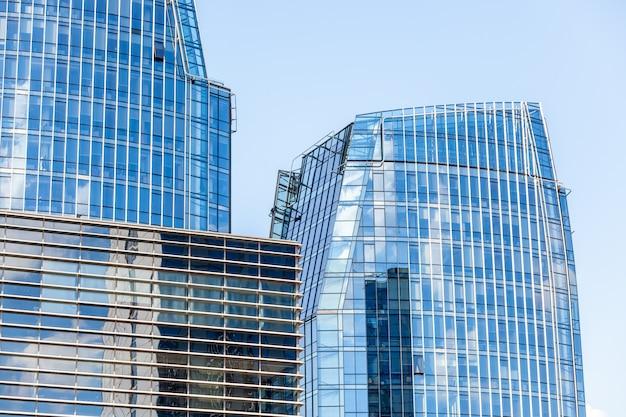 Arranha-céus modernos no distrito financeiro