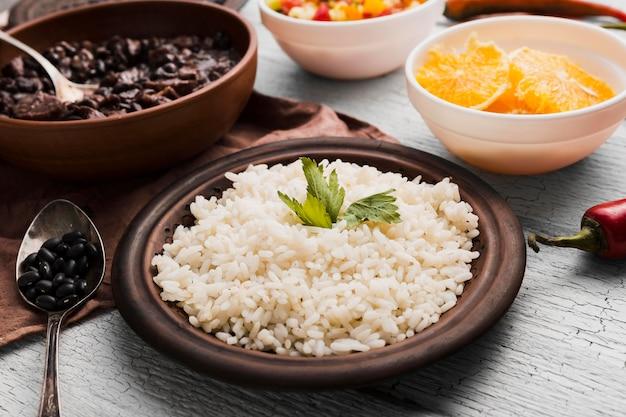 Arranjo com deliciosa comida brasileira