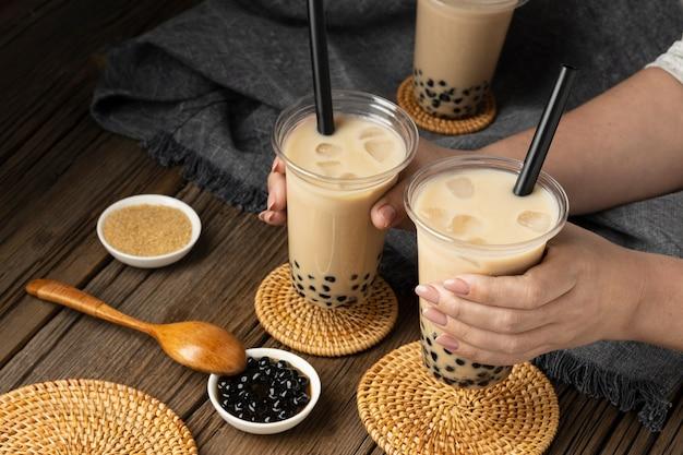 Arranjo com delicioso chá tradicional tailandês