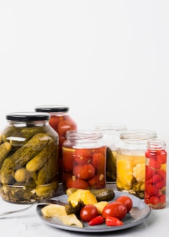 Arranjo com legumes em conserva