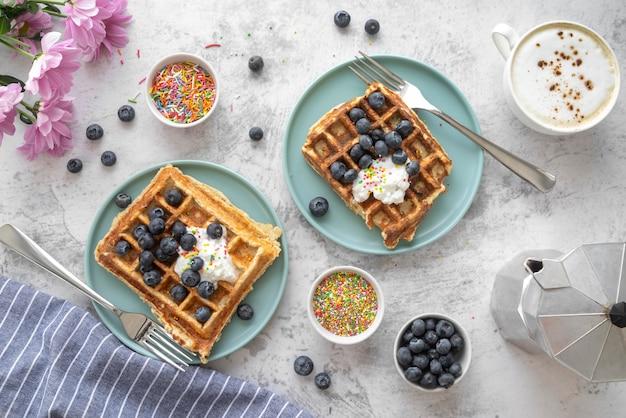 Arranjo criativo da refeição do café da manhã