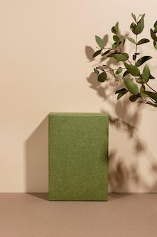 Arranjo criativo de pódio minimalista
