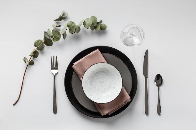 Arranjo da mesa com planta plana