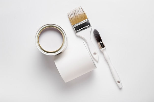 Arranjo da vista superior com ferramentas de pintura