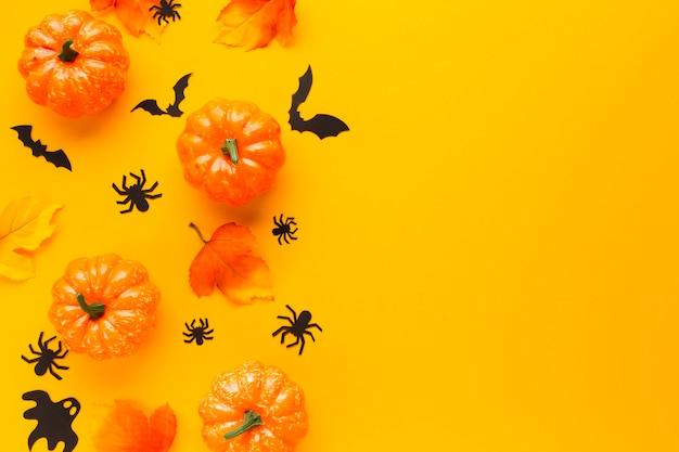 Arranjo de abóboras decorativas de halloween