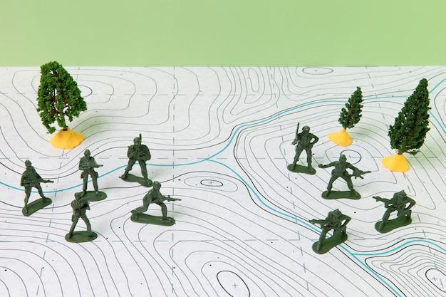 Arranjo de assuntos de história com soldados