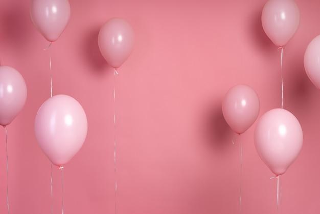 Arranjo de balões rosa com espaço de cópia