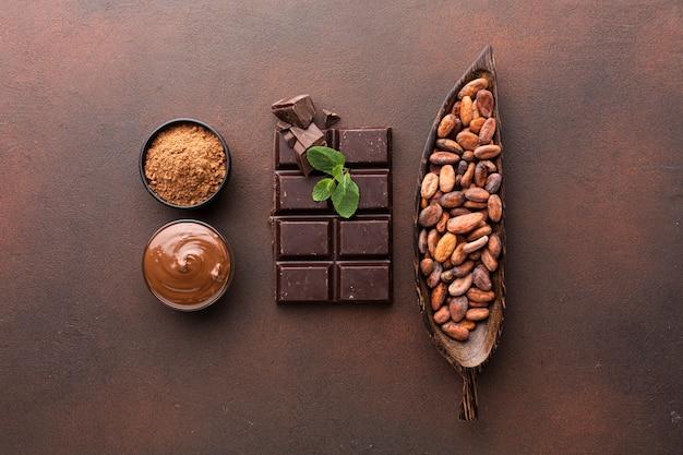 Arranjo de barra de chocolate em lay plana