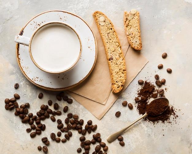Arranjo de café criativo plana leigo