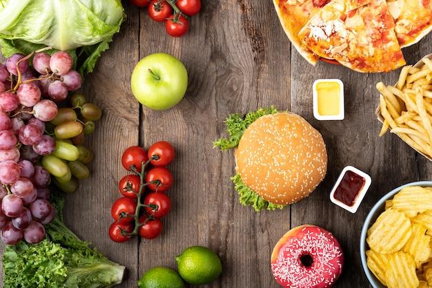 Arranjo de comida rápida e saudável