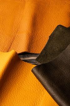 Arranjo de couro laranja de vista superior