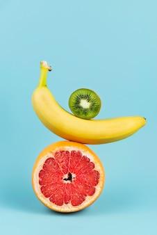 Arranjo de deliciosas frutas frescas