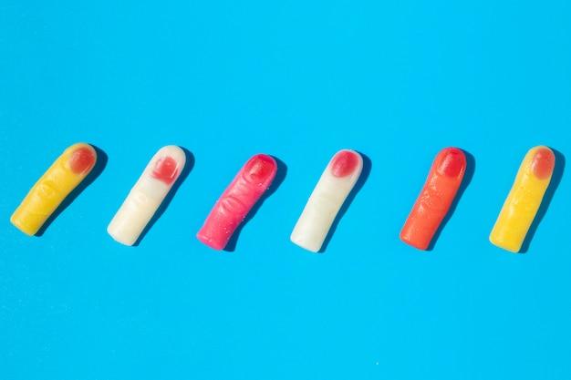 Arranjo de deliciosos doces de dedo doce