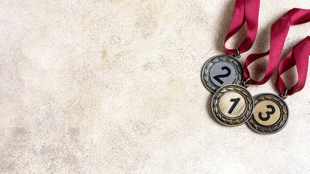 Arranjo de diferentes medalhas