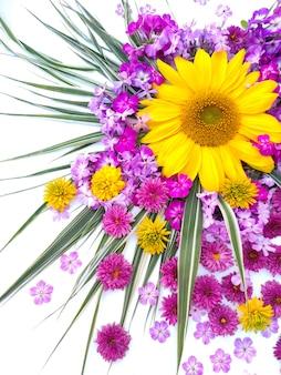 Arranjo de flores de girassol e flox
