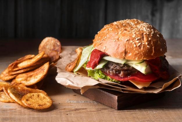 Arranjo de hambúrguer delicioso