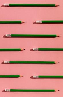 Arranjo de lápis acima da vista