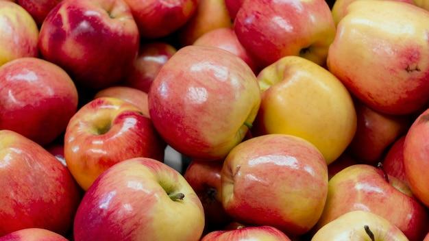 Arranjo de maçãs deliciosas