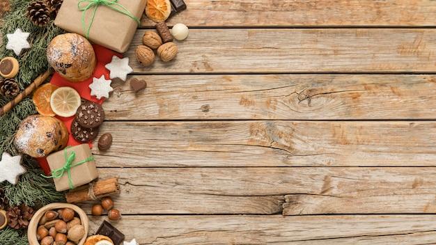 Arranjo de mesa festiva de natal plana com espaço de cópia