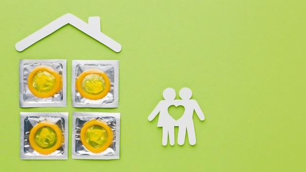 Arranjo de método de contracepção sobre fundo verde