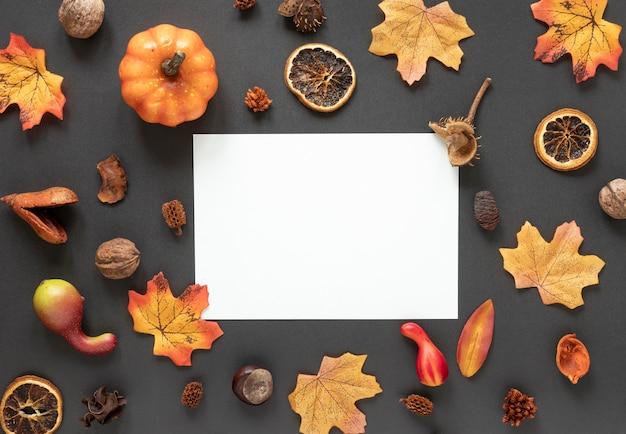 Arranjo de outono vista superior com espaço da cópia