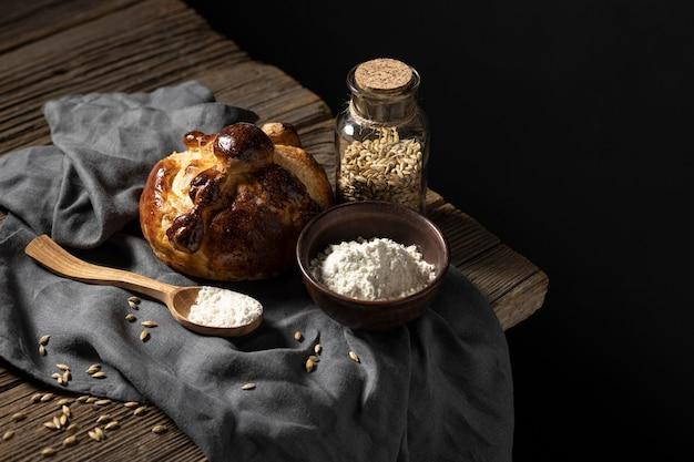 Arranjo de pão tradicional de mortos