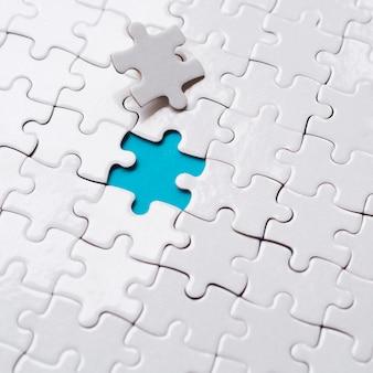 Arranjo de peças de quebra-cabeça para o conceito de individualidade