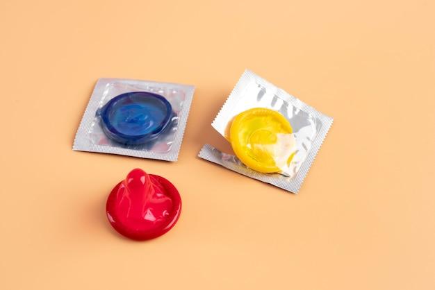 Arranjo de preservativos de alto ângulo