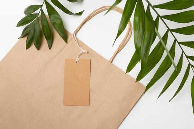 Arranjo de sacola de compras reciclável