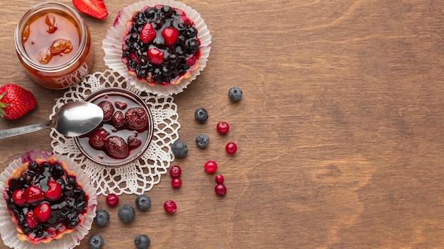 Arranjo de tortas de frutas de vista superior