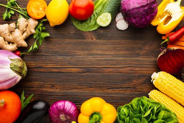 Arranjo de vegetais com espaço para texto
