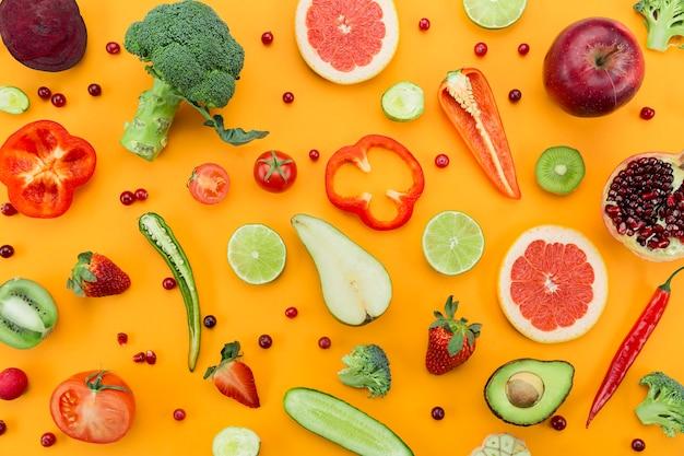 Arranjo de vegetais e frutas planas