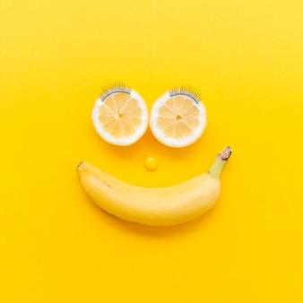 Arranjo de vista superior com frutas