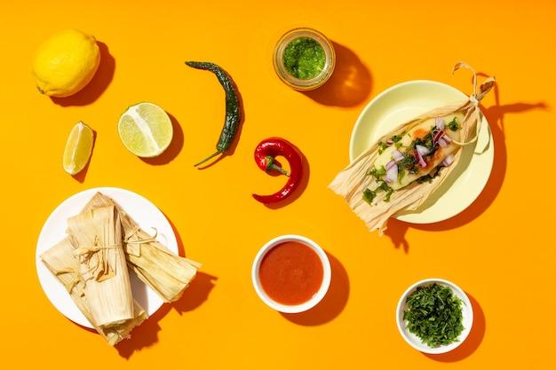Arranjo de vista superior de ingredientes de tamales