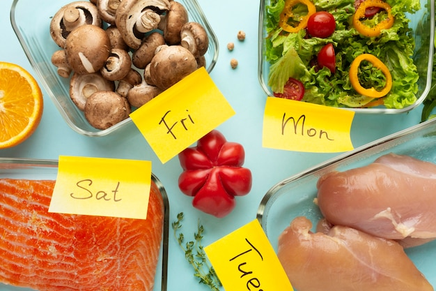 Arranjo de vista superior do planejamento alimentar