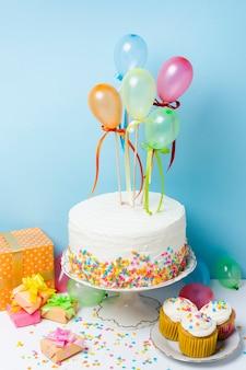 Arranjo do conceito de festa de aniversário