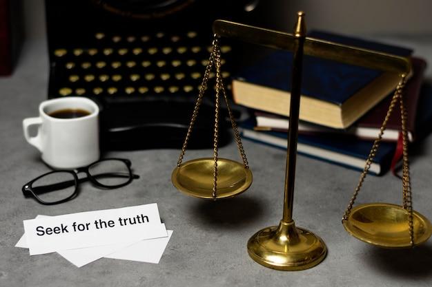 Arranjo do conceito de verdade com equilíbrio