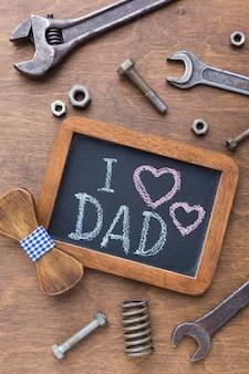 Arranjo do dia dos pais com ferramentas